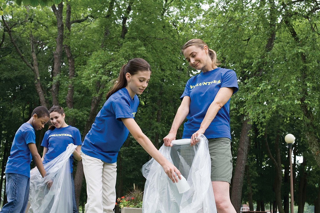 Volunteers clean up Pennypack Park - Northeast Times