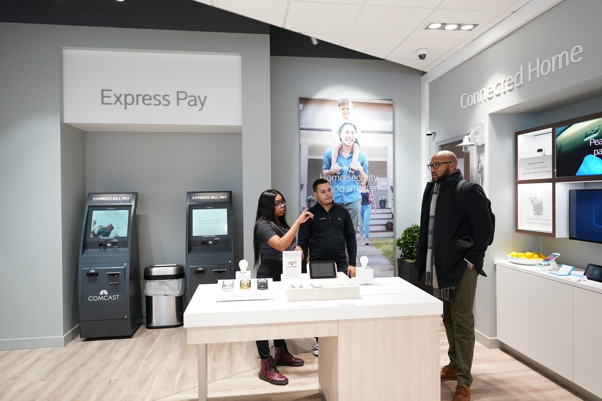 Comcast opens retail store at Northeast Tower Center